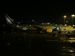 Air France B777 at SIN (AirSL-D) Tags: air srilanka sri lanka finnair singapore singaporeairlines srilankanairlines cmb sin katunayake changi changiairport cmbtosin trip planespotting avgeek boeing airbus a320 a330 b777 a350 a321 jetstar emirates qantas chinasouthernairlines chinasouthern xiamenairways blue night nightspotting ramp terminal1 terminal1changi lights a320neo sl b737 rampshot viewingmall cfmleap ge90