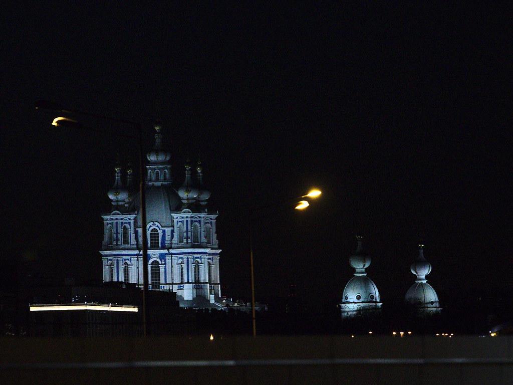 фото: Собор в ночи