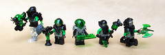 Insectoids assemble (∅Sepulchure) Tags: lego minifigures vintage insectoids alien aliens figures fig barf figbarf