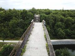 Hympedahl-Viadukt (MLopht | Dortmund) Tags: viadukt brücke hympendahl ruine brückenkopf brückenköpfe teich regenwasserspeicher wasserspeicher rückhaltebecken wasser phoenixwest dortmund hörde luftbild drohne dji mavicpro drone clarenberg