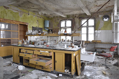 _BAS3913 (malepieski) Tags: lab laboratory abandoned decay destroyed decayed forgotten exploration mess