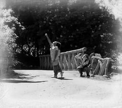 Toucher les nuages - Touch the clouds (p.franche malade - sick) Tags: sony sonyalpha65 dxo photolab bruxelles brussel brussels belgium belgique belgïe europe pfranche pascalfranche schaerbeek schaarbeek parcjosaphat josaphatpark humain gens homme selfie fille poésie parc instantané streetshot human people man girl poetry artistic park snapshot monochrome noiretblanc blackandwhite zwartwit blanconegro schwarzweis μαύροκαιάσπρο inbiancoenero 白黒 黑白 чернобелоеизображение svartochvitt أبيضوأسود mustavalkoinen שוואַרץאוןווייַס bestofbw woman frau 女子 여성 kvinde mujer nainen γυναίκα אישה امرأة nő wanita bean kona donna 女 kvinne kobieta mulherженщина kvinna žena หญิง đànbà vrouw