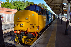 37409 + 37407 - Norwich - 30/06/18. (TRphotography04) Tags: br large logo direct rail services 37409 lord hinton 37407 stand norwich with 2p32 1736 great yarmouth