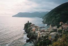 Cinque Terre (cranjam) Tags: ricoh gr1 gr1v film kodak portra160 italy italia cinqueterre liguria sea mare marmediterraneo mediterraneansea liguriansea marligure vernazza unesco worldheritagesite