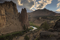 Be kind whenever possible. It is always possible… (ferpectshotz) Tags: smithrockstatepark smithrock oregon sunrise cloudy trail bend basalt lava rockclimbing modernamericansportclimbing traditionalclimbing bouldering multipitchclimbing volcanic crags lavachamber crookedriver