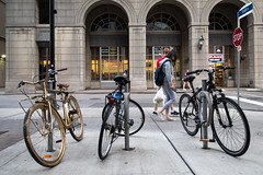 Fancy Ride (cookedphotos) Tags: 2018inpictures toronto ontario canada ca canon 5dmarkiv streetphotography esplanade bicycle gold fancy 365project p3652018
