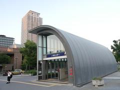 Entrance of the station (yukky89_yamashita) Tags: keihan station 京阪電車 なにわ橋駅 osaka japan 大阪 大阪市