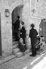 Jerusalem (michael.mu) Tags: jerusalem jewishquarter purim theleicameet leica m240 35mm leicasummicron35mmf20asph streetphotography bw blackandwhite monochrome carnival costume