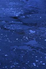 Ice (K M V) Tags: ice eis glace giacchio jää is blue blau bleu blu sininen whitebalance sooc