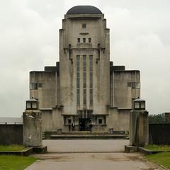 Radio Kootwijk (Geoffrey Thompson.) Tags: kootwijk provinciegelderland netherlands nld artdeco transmitter radiostation concretemadeof building