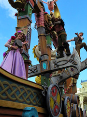 Tangled Float (jeadams717) Tags: waltdisneyworld disney disneyworld magickingdom festivaloffantasy festivaloffantasyparade tangled rapunzel costume flynnrider