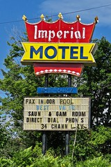 Imperial Motel, Marquette, MI (Robby Virus) Tags: marquette michigan mi up upper peninsula imperial motel sign signed crown neon vacancy