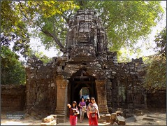 Angkor, Ta Som Temple Entrance 20180203_105917 DSCN2642 (CanadaGood) Tags: asia seasia asean cambodia siemreap angkor tasom temple tree sculpture building architecture archaeology people person canadagood 2018 thisdecade color colour buddhist khmer