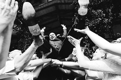 j&m Hochzeit im Schloss Friedrichsmoor (Yuliya Bahr) Tags: hands wedding groom party banquet happy happiness flying jump shoes men man bräutigam hochzeit hochzeitsreportage reportage laugh fun friends