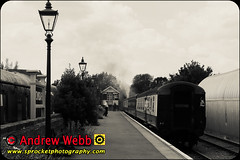 _MG_0057-2 (Sprocket Photography) Tags: eor eppingongarrailway epping essex northweald blakehall ongar branchline heritage railway busroute londonbuscompany camra realale festival train steam carriage platform lamppost fauxagedphoto monochrome vignette