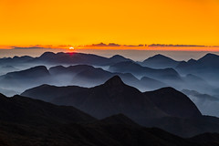 The silhouettes of the mountains. (Valter Patrial) Tags: mountains mountain sunset vacation photographygear golden nature red orange sky valley