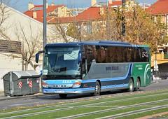Granada, Calle Sol y Sombra 09.12.2017 (The STB) Tags: bus autobus autobús busse publictransport öpnv transportepúblico granada