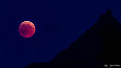 Lune et montagne (Quentin Douchet) Tags: alpes alpesfrançaises alps frenchalps ciel cielnocturne eclipselunaire2018 landscape lunareclipse2018 lune montagne moon mountain night nightsky nuit paysage silhouette sky éclipselunaire27juillet2018 bellentre auvergnerhônealpes france fr
