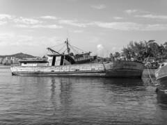 Barco Pesqueiro PB (Leonardo Martins) Tags: barco ship pesca barcopesqueiro pescador peixe fish fisherman fishingship moreiramarques monocolor pretoebranco blackandwhite pb bw