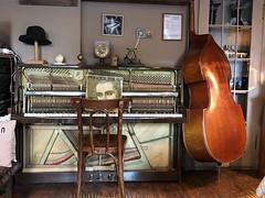 waiting for the players (Hayashina) Tags: georgia kutaisi restaurant bass piano musicinstruments