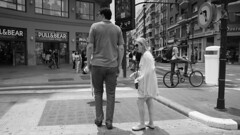 Gente es diferente (Renate Bomm) Tags: 2018 renatebomm spanien sprachreise valencia españa 7dwf bw flickr grosuklein schwarzweis sigma16mmf14dcdn sonyilce6000 street men mann frau women size gröse