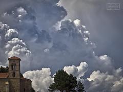 Nube de tormenta en Aguilar/ Storm cloud at Aguilar (Jose Antonio. 62) Tags: spain españa castillayleón palencia aguilardecampoo clouds nubes torre tower storm tormenta
