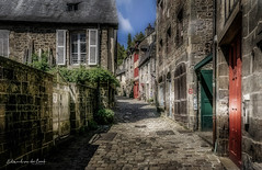 Dinan 2018 (EBoss Fotografie) Tags: soe dinan france bretagne brittany street city ancient canon colors house building light architecture art detail road shadow depth