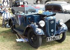 West Midlands Classic Car Club annual show 4 (Mount Fuji Man) Tags: westmidlandsclassiccarclub annualshow classiccar courtyard july2018 dudleycastle