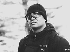 Mont Saint-Bruno (jacinq) Tags: portrait stbruno lunettes tuque hiver extérieur noiretblanc