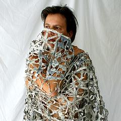 ways of wearing the news (Ines Seidel) Tags: news newspaper texture wearing wearableart paper nachrichten zeitung papier zeitungspapier fibreart photography identity portrait
