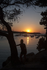 Sunset (robertrutxu) Tags: sunset puestadesol portdestorrent ibiza mar sol barcos playa cala
