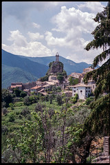 Sigale (waex99) Tags: 200 2018 28mm 35mm 50mm gold leica m6mkodak sigale summicron france july provence cote azur french riviera village countryside campagne montagne paysage landscape rangefinder travel holiday daytrip roadtrip road route