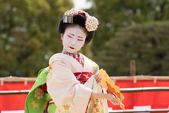 Traditional Dance (walkkyoto) Tags: 平安神宮 heianjingu 奉納舞 honomai 舞妓 maiko 芸妓 geiko 京都 kyoto 日本 japan m40150mmf28