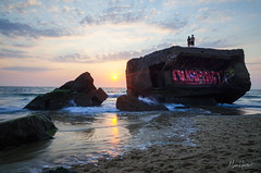 War & Love, WWII bunkers at dusk (Marc Heurtaut) Tags: capbreton colors longexposure wwiibunkers water waterfront atlanticocean beach clouds composition couple dusk france landscape love ricohgr silhouette sunlight sunset wideangle nouvelleaquitaine fr