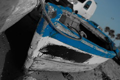 Boats... (hobbit68) Tags: boote boats blue blau spanien spain espanol espana espagne old alt wrack andalucia andalusien port puerto hafen sun sunshine strand atlantik beach playa