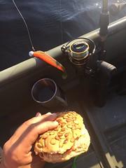 Fiskefrulle 26/7 (Atomeyes) Tags: mat kaffe fiske pumpafrallor kalmarkorv korv gurka smör frukost