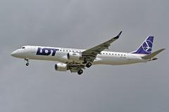 LOT - Polish Airlines (Derek Mickeloff) Tags: canon yhm hamilton airport spotting lot polish airlines 2018