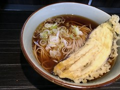 Soba topped with an eggplant tempura from Monju @ Asakusa (Fuyuhiko) Tags: soba topped with an eggplant tempura from monju asakusa 天ぷら なす ナス 那須 そば ソバ 蕎麦 tokyo 東京