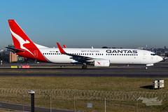 VH-VYI QF B738 34R YSSY-2866 (A u s s i e P o m m) Tags: mascot newsouthwales australia au qantas qf boeing b738 silverroo syd yssy sydneyairport