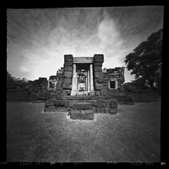 Prasat Muang Tam nursing home building  12th century Khmer (Matt Jones (Krasang)) Tags: ondu pinhole 6x6 fuji acros 120 film prasat muang tam khmer