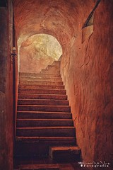Valladolid 5995 ch (Emilio Segura López) Tags: convento conventofranciscano sanbernardinodesiena sisal escalera luz rosa ventana yucatán méxico iglesia