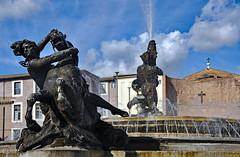 Roma, non si discute si ama! (Ciceruacchio) Tags: fontanadellenaiadi fontainedesnaiades fountainofthenaiads repubblica republique antonellovenditti roma rome rom italia italy italie italiennikon