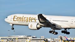 Boeing 777-300ER I A6-EBG I Emirates (Gustavo H. Braga) Tags: emirates aviation airplanes airport aviação aviacao aviao aeronaves aeroporto boeing b777 tripleseven lisbon portugal photo b773
