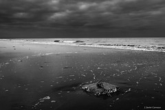 La bañera (AvideCai) Tags: avidecai paisaje playa cádiz tamron2470 bn blancoynegro mar agua cielo nubes