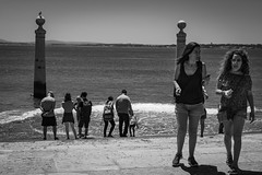 seagull with girls (desmokurt1) Tags: lissabon lisbon lagos faro portugal algarve sw bw color kurtessler atlantik tejo vascodegamma downtown village water