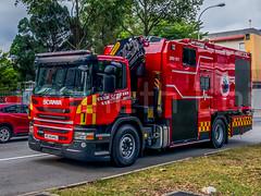 HUSAR Rescue - 1 (KNL-17) Tags: singapore singaporecivildefenceforce scdf fireservices disasterassistancerescueteam dart husar firetruck heavyrescue dartrescuevehicle drv911 scania scaniap370 skrosenbauer iphone7plus