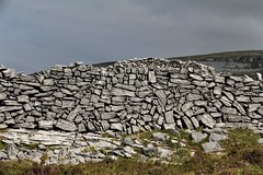 Cathair Dhuin Irghuis, Galway (falco2014) Tags: cathairdhuinirghuis galway irland insel archéologia archaeology archäologie eisenzeit ringfort steinwüste eingang excursion felsen megalithkultur prehistory ruinen
