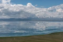 Lac Song-Köl et environs, Kirghizistan (Pascale Jaquet & Olivier Noaillon) Tags: montagnes paysage nuages ciel lac neige lacsongköl naryn kirghizistan kgz