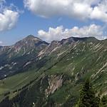 Panoramablick vom Wilerhorn auf Brienzersee und zum Brienzer Rotstock thumbnail