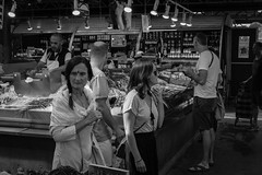 paris 111 (HAKUDO Photography) Tags: zeiss street market black white girl girls paris enfantsrouge sony alpha7ii